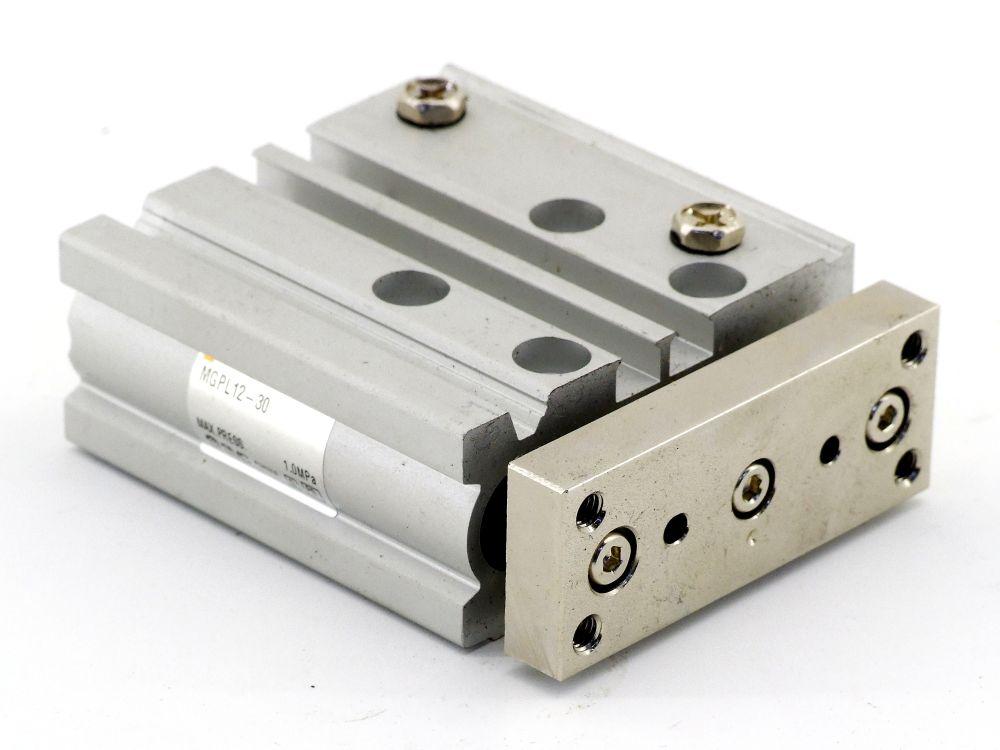 SMC MGPL12-30 Kompaktzylinder mit Führung Pneumatik Druckluft Hub 30 MM d=12MM 4060787319401