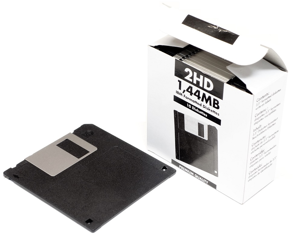 10x 1.44MB 3.5'' inch Floppy Diskettes IBM formatted MF2HD new originally sealed 4060787161123