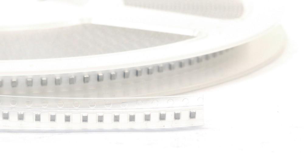 100 x 68pF 0.068nF 5% 50V 0805 SMD Chip Ceramic Capacitors / Kerko Kondensatoren 4060787023179